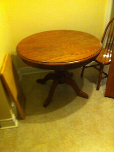Solid oak Oxford dining table w/ leaf & 4 chairs