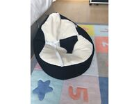 Gaga rucomfy baby bean bag - Perfectly clean - very gently used