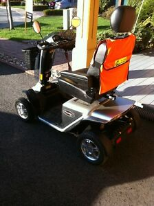 Mobility Scooter Pride Pursuit XL  Mint Condition