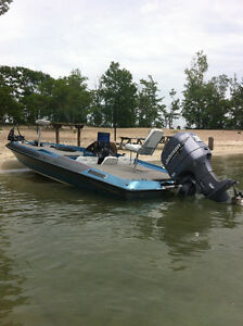 20 ft bass boat with Johnson 200 hp