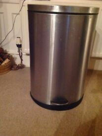 Stainless steel kitchen pedal bin