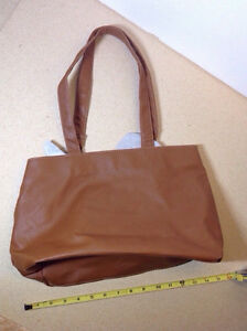 NEW brown vegan leather purse, very light weight