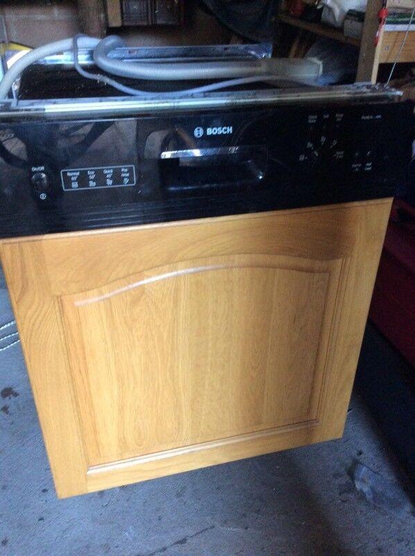 Semi integrated dishwasher