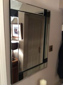 BEAUTIFUL MIRROR WITH BLACK DETAIL