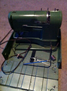 Elna Supermatic Sewing Machine Cambridge Kitchener Area image 2