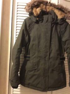 Manteau d'hiver North Face - Couleur kaki - pour fille