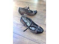Ladies/ Girls Tammy Girl Leopard print dress shoe. Size 4.