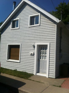 Attention Students 99 Main St 4 bd/1bth. Great location $1700+