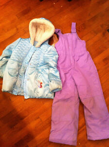 """Frozen"" Disney snowsuit - Size 6"