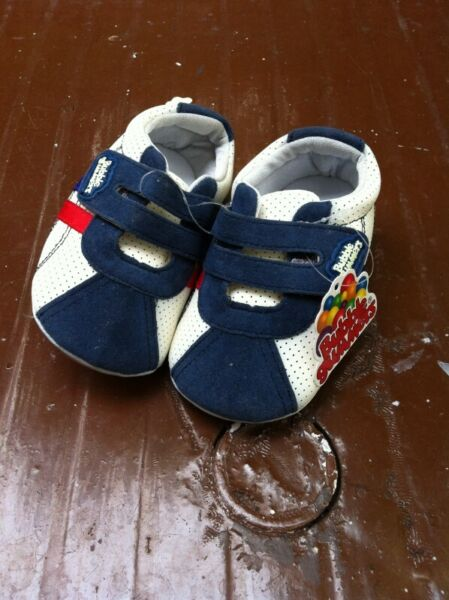 Bubble Gummers Baby shoes Size 15. New and never been used. No box.