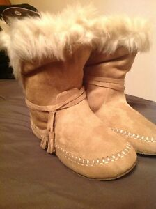 Size Seven Roxy Boots