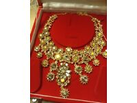 New .. Fashion Jewellery Gold and pale greenish colour Stones Necklace
