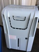 DANBY Dehumidifier 60 Pint -- Brand New --Reg $359