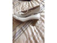 Ladies shoes £6 a pair