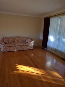 Room for professionals or ST CLAIR students Windsor Region Ontario image 7