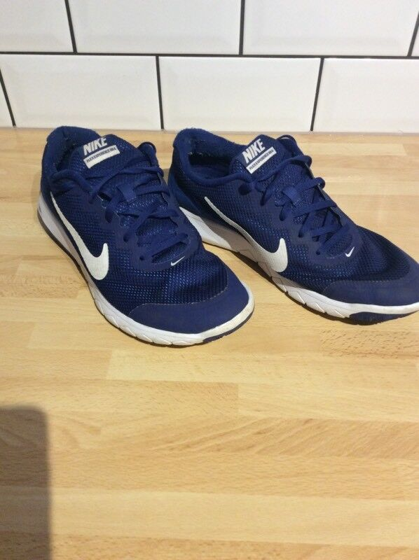 Men's size 9 Nike Trainers