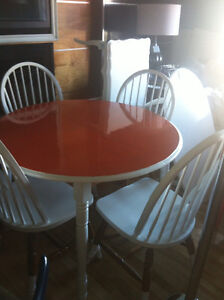 Wood dining table w/ 4 chairs plus ext (white & orange)