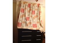Curtain for £5 new condition.