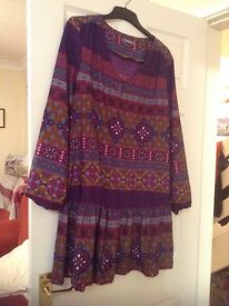 Lovely long top from South in new condition. BNWOT. Size 14-16