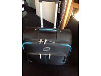 Vertigo roll along laptop case with wheels and extendable handle