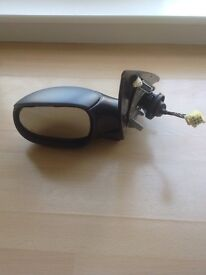 Peugeot 206 Electric Passenger Side Mirror - Square Plug