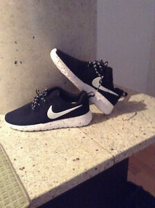 Nike Rosh run for sell now
