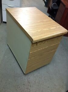 SMALL WOODEN ROLLING PEDESTALS - LOTS OF COLOURS Kitchener / Waterloo Kitchener Area image 2