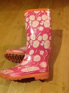 Rain boots size 7 Kitchener / Waterloo Kitchener Area image 1