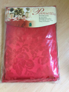 * NEW * Red Poinsettia / Christmas Damask Tablecloth