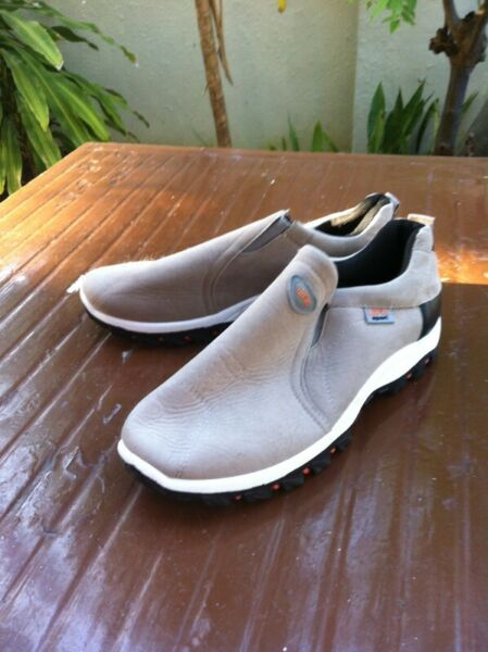 New UFK grey shoes. New and never use yet. Size US 13 UK 12 CM 290.