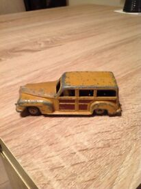DINKY TOYS ESTATE CAR (WOODY WAGON) No 27f