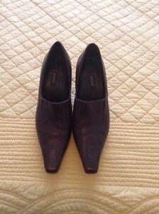 Ecco shoes dark brown