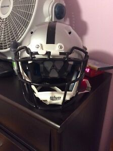 Revo schutt large brand new anti-concussion  West Island Greater Montréal image 1