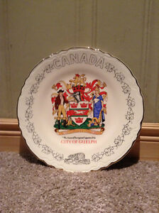 City of Guelph commemorative plate -- 22K Gold plated--new Price Kitchener / Waterloo Kitchener Area image 1