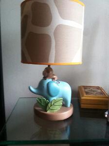 Lampe pour chambre de bébé