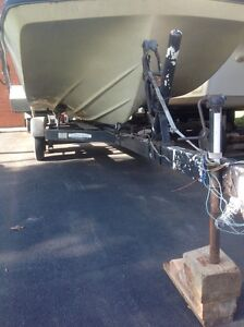Tandem axle trailer for14 to 19 ft boat Windsor Region Ontario image 3