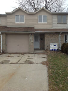 Freehold Townhome - Sarnia