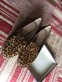 Stunning leopard print pony skin loafers size 41/42