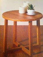 Round side table (45x45cm) brand new