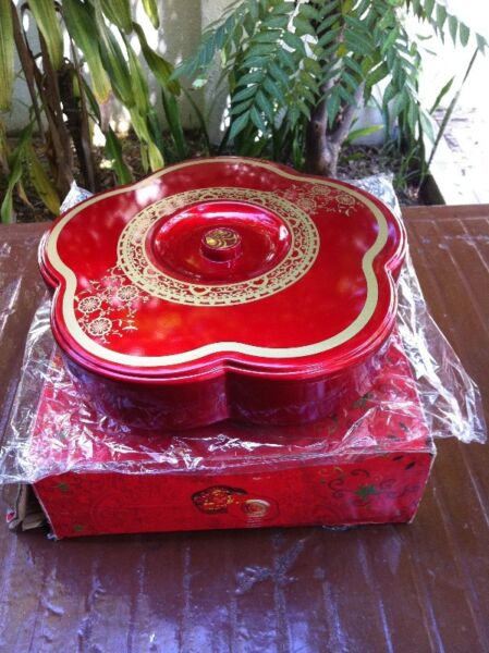 Cookies tray. New and never used before.  Dimension 29 x 5cm. In good condition.