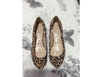 Bnwt leopard print wedges size 4