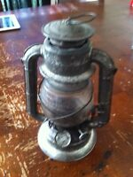 Comet antique oil lamp