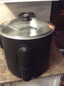 Electric Turkey fryer up to 14 lbs turkey / could be used for bo