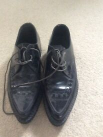 Size 8 creepers