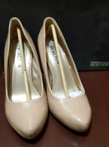 Kenneth cole size 5.5 (slightly used)