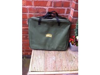 Waterline carp keep net and carrier case
