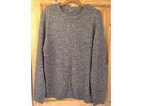 Grey knitted jemper