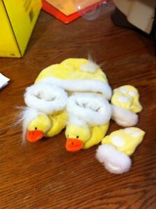 Duck hat mitts and slippers