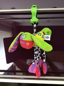 Hanging car seat toy