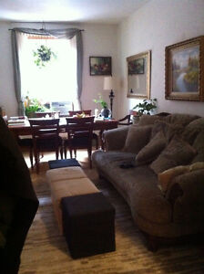 Centrally located SUBLET 5 1/2 in Westmount